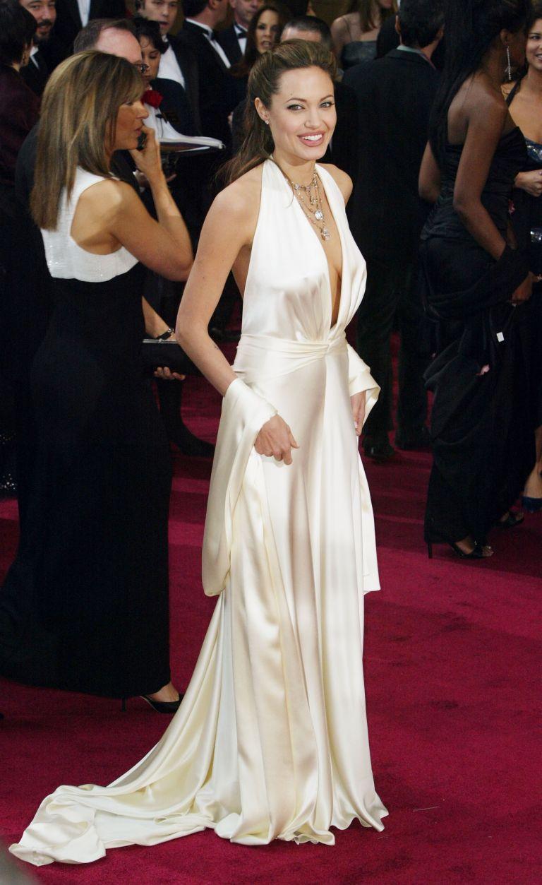 """Анджелина Джоли в """"Marc Bouwer"""""""