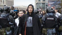 Над 250 задържани при опозиционните протести в Русия  (снимки)