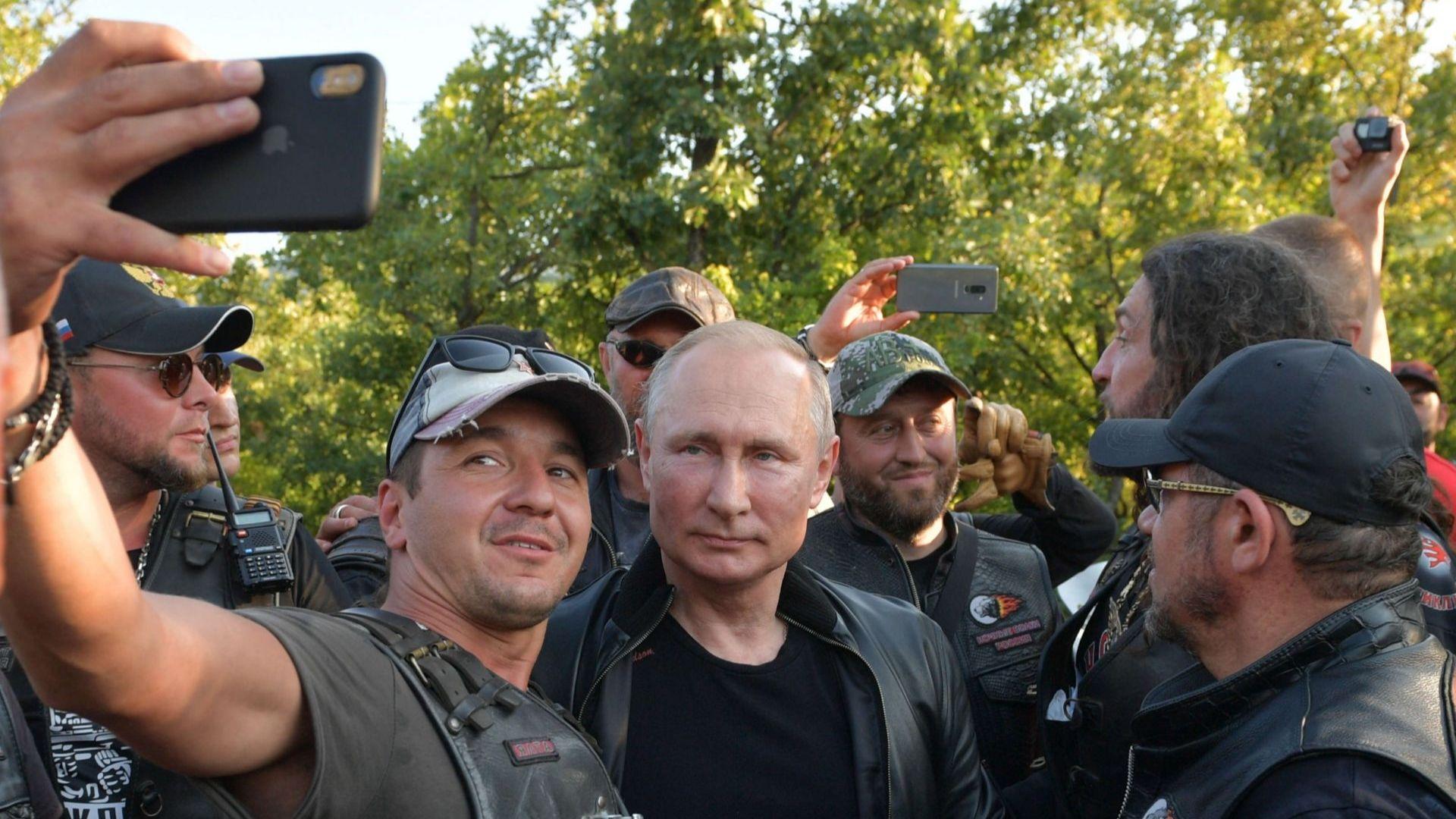 Какъв телефон използва Путин