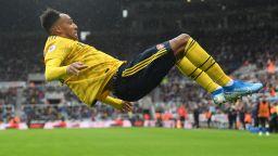 Звездата на Арсенал ще решава проблемите на Барселона