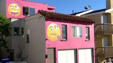 Скандал в Калифорния заради розова къща с емотикони