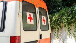 Линейка с жена с Covid-19 обикаля болници по морето, навсякъде отказват прием