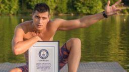 Русенец влезе в Рекордите на Гинес за плуване с една ръка