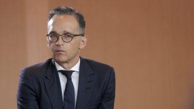 Двама от германското правителство под карантина заради контакт с български зам.-министър