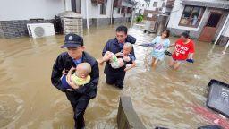 Десетки са жертвите на Тайфуна Лекима в Китай