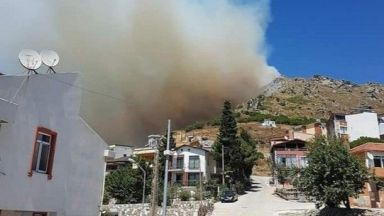 30 души са пострадали при пожар на турския о-в Мармара