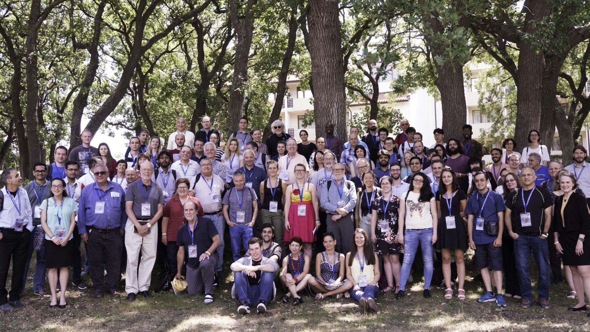 Професор Шарп по врема на конференцията във Варна