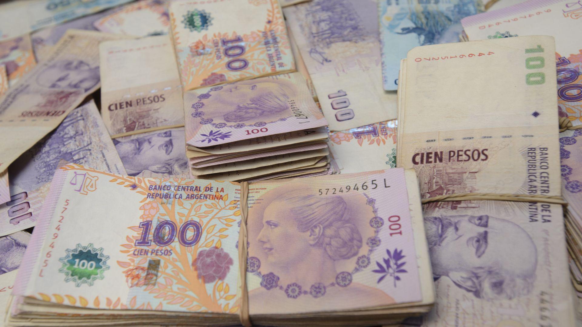 Дългът на Аржентина не е устойчив, предупреди МВФ и препоръча кредиторите да й помогнат