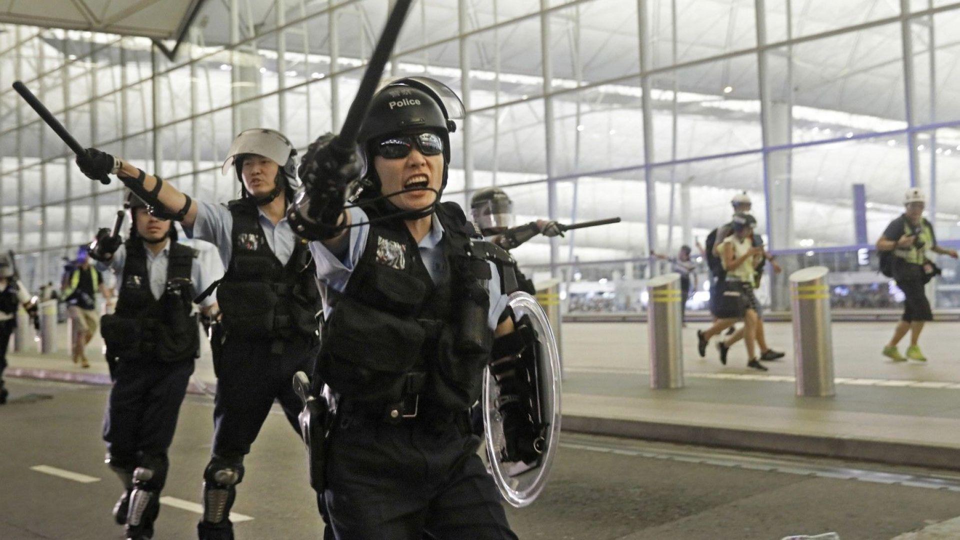 След остри изявления на Тръмп Пекин отказа да пусне американски бойни кораби в Хонконг