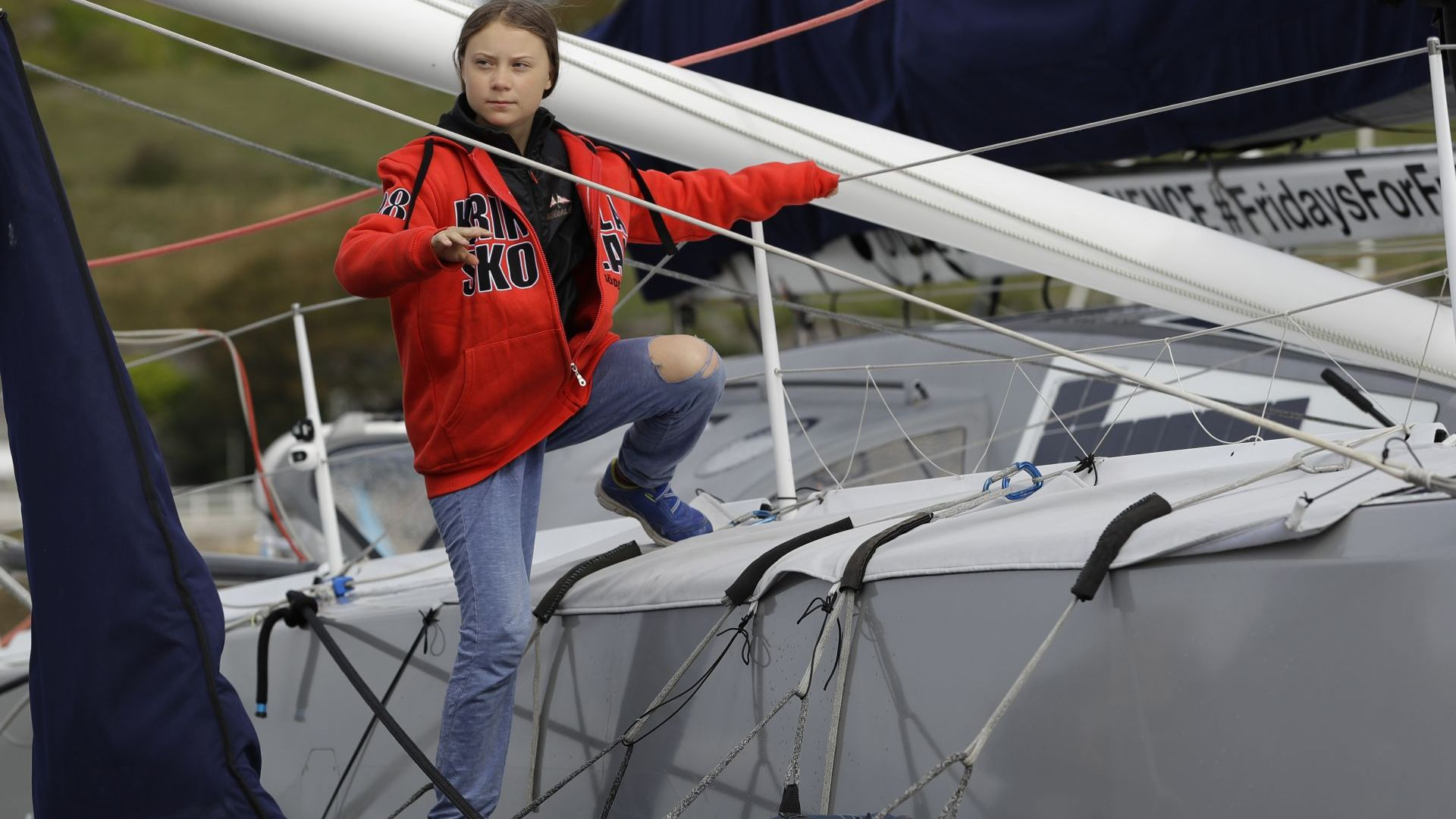 Грета Тунберг отплава с яхта без удобства за среща на върха на ООН в Ню Йорк
