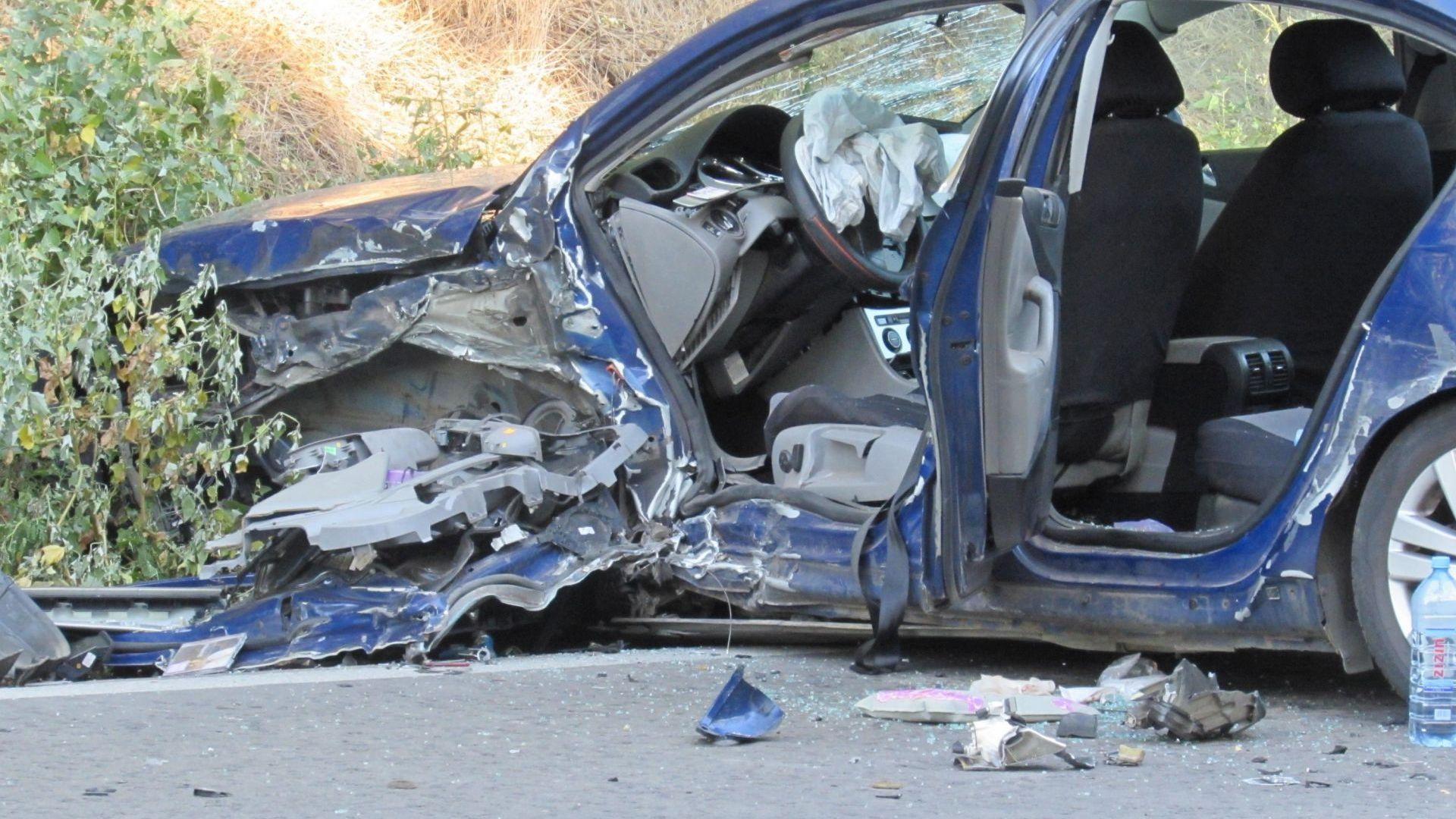 Три румънски гражданки са пострадали при тежка катастрофа на пътя