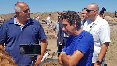 Борисов попадна на зловеща находка от археологически разкопки (видео)