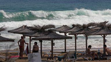 17 плажа по Черноморието ще са с безплатни чадъри и шезлонги