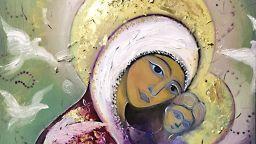 Художникът Павел Митков: Рисувам образа на Богородица винаги след молитва