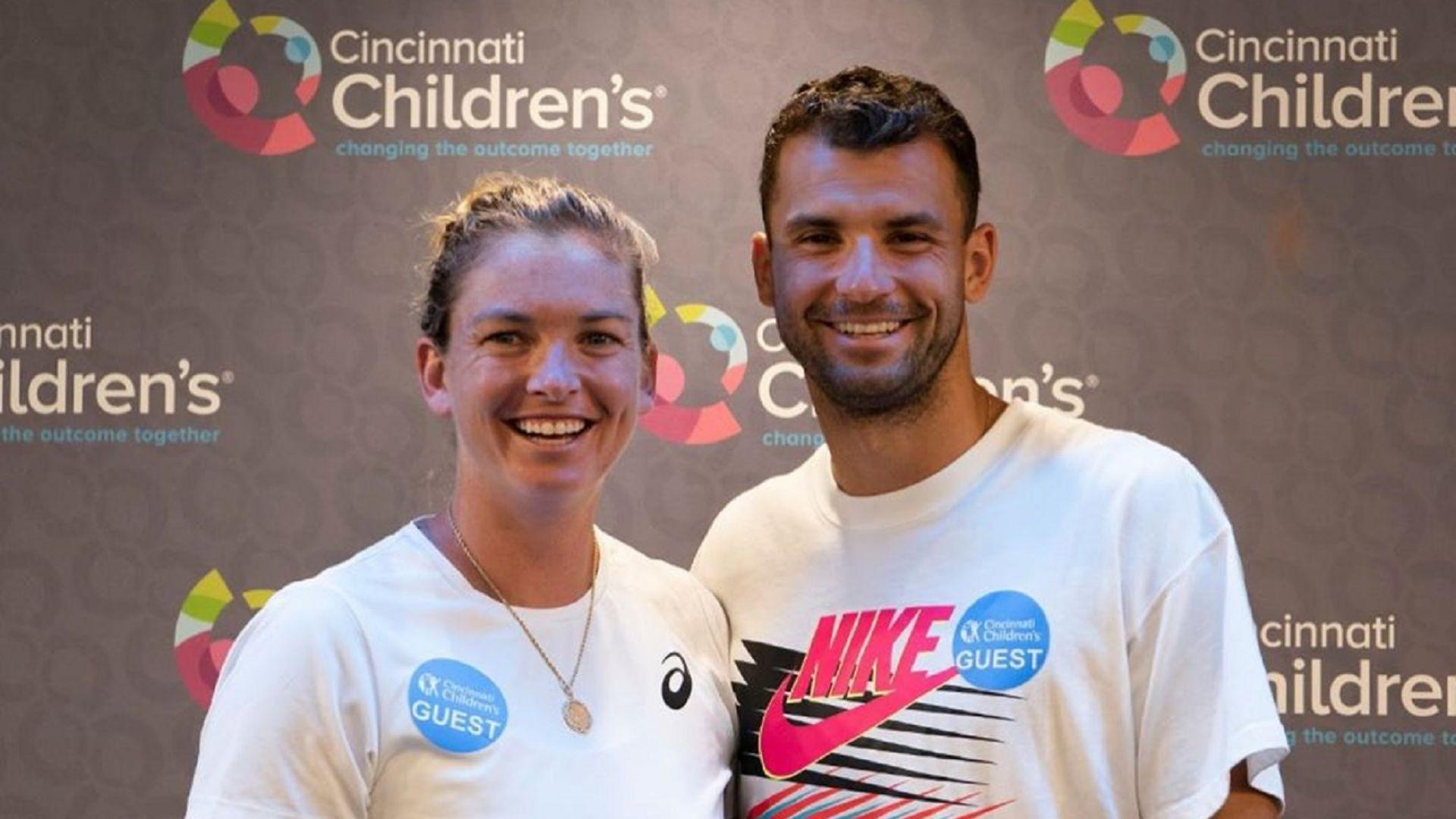 Гришо зарадва децата в американска болница