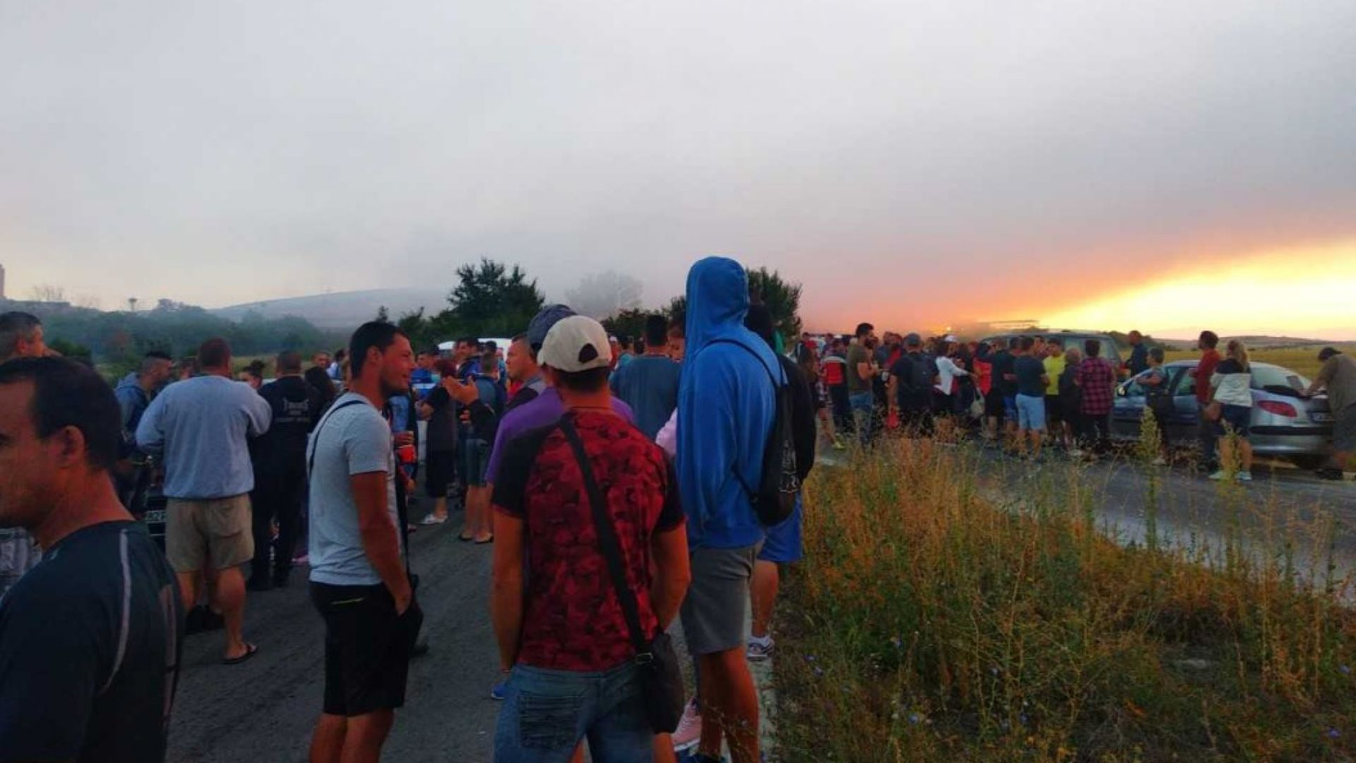 Снимка: Полицията влезе в депото в Шишманци