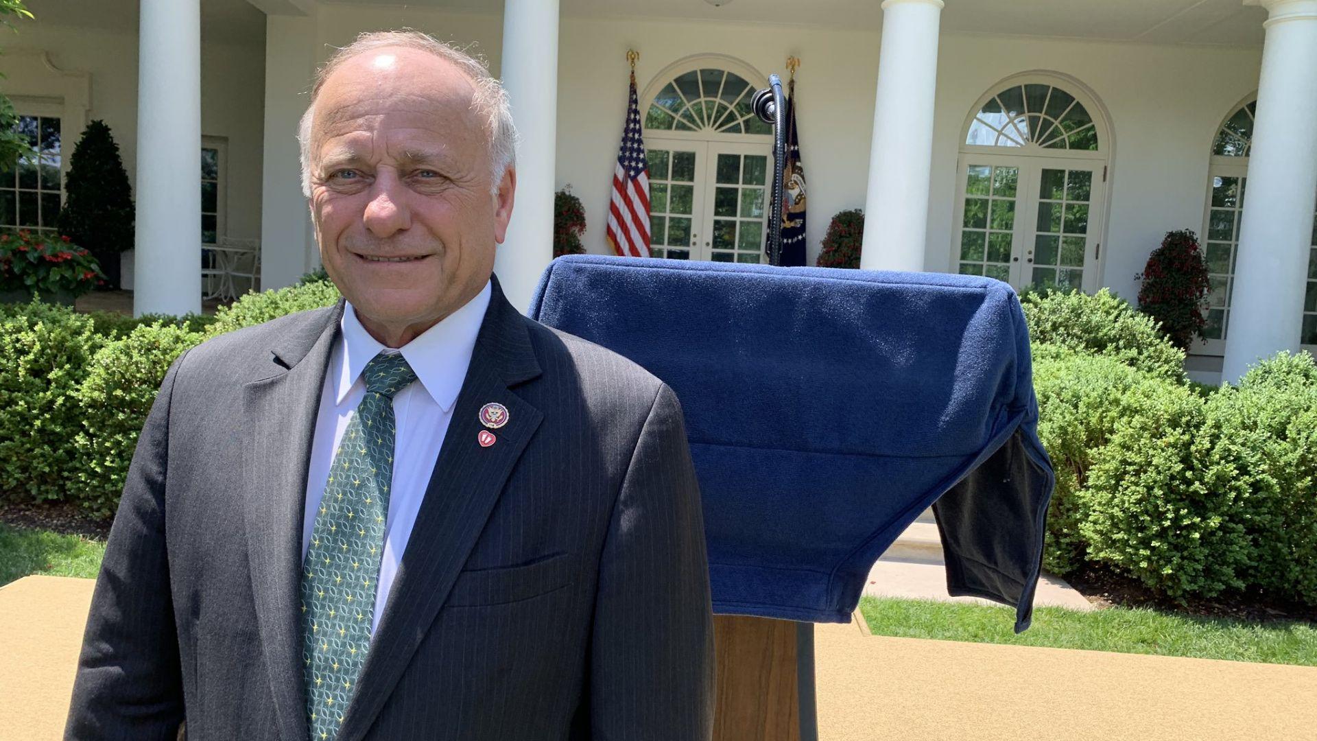 Конгресмен от САЩ предлага забрана на абортите: Нямаше да ни има без инцест и изнасилвания