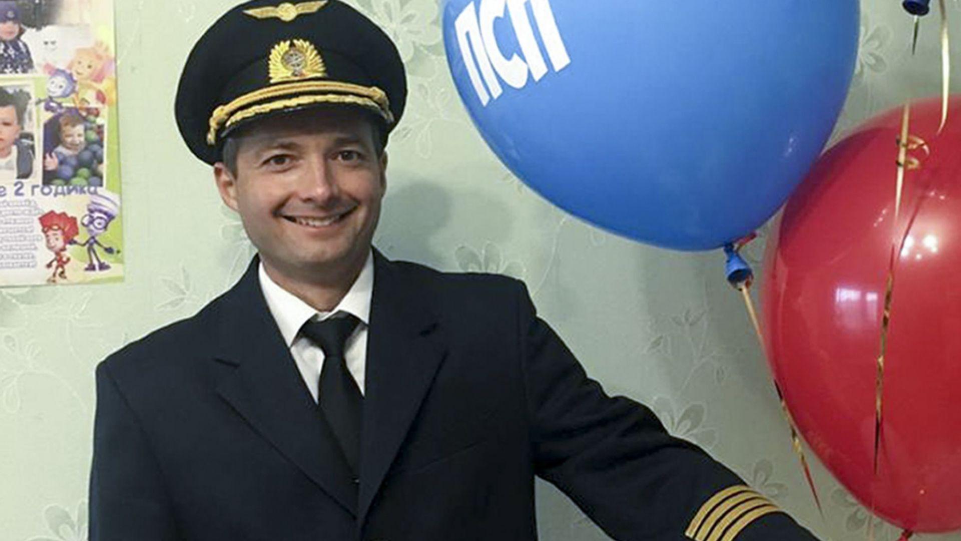 Пилотът Юсупов, който кацна в царевична нива, отказа да се премести в подарен апартамент