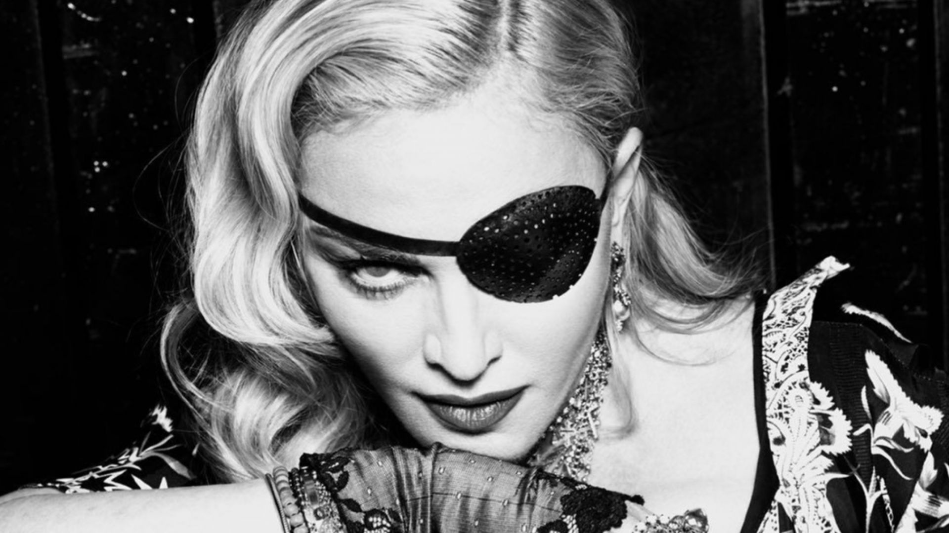 Мадона заклеймена заради конспирации за коронавируса