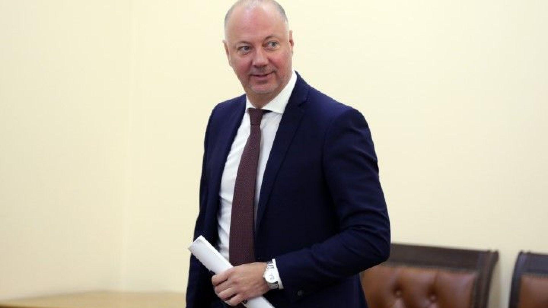 Желязков отговори на БСП: Приемам позициите им в духа на консултиране по Закона за пътищата