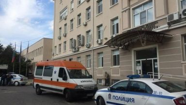 Заподозреният за жестокото убийство в Сливенско ще остане в болница поне пет дни