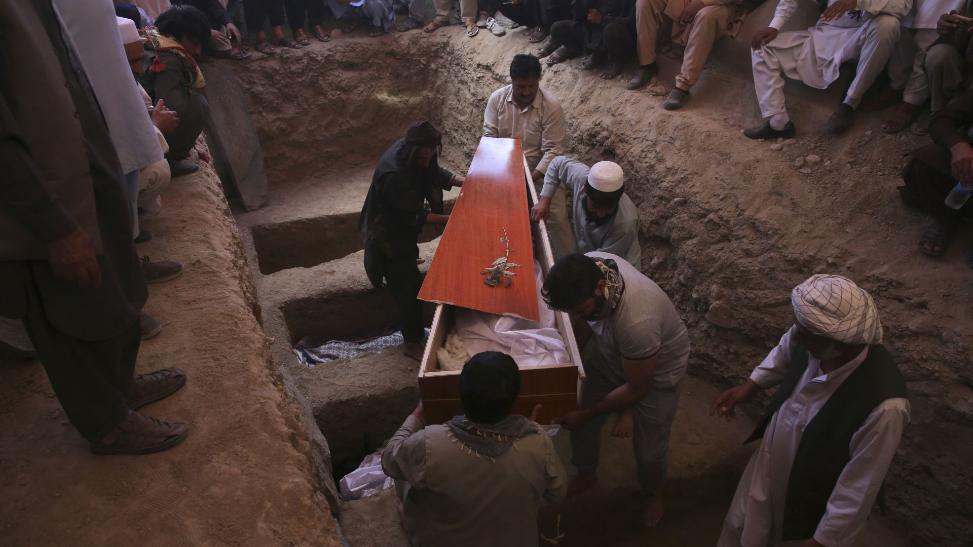 ИД пое отговорност за атентата срещу сватбата в Кабул