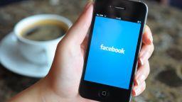 Google и Facebook под натиск да спрат рекламите за деца
