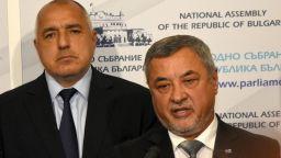 Валери Симеонов: Правителството остава, премиерът също