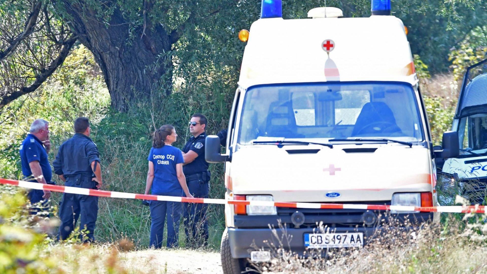 Снимка: Убитите край Негован са възрастни хора, простреляни са в главата