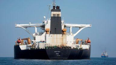 САЩ предупредиха Гърция да не оказва никаква помощ на освободения ирански танкер