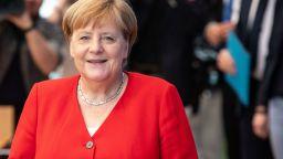 Ангела Меркел носи една и съща туника повече от 20 години
