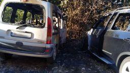 Изоряха два автомобила тази нощ във Варна, единият е БМВ Х5 (снимки)