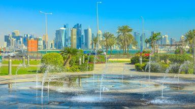 Защо Катар строи шосета със син асфалт