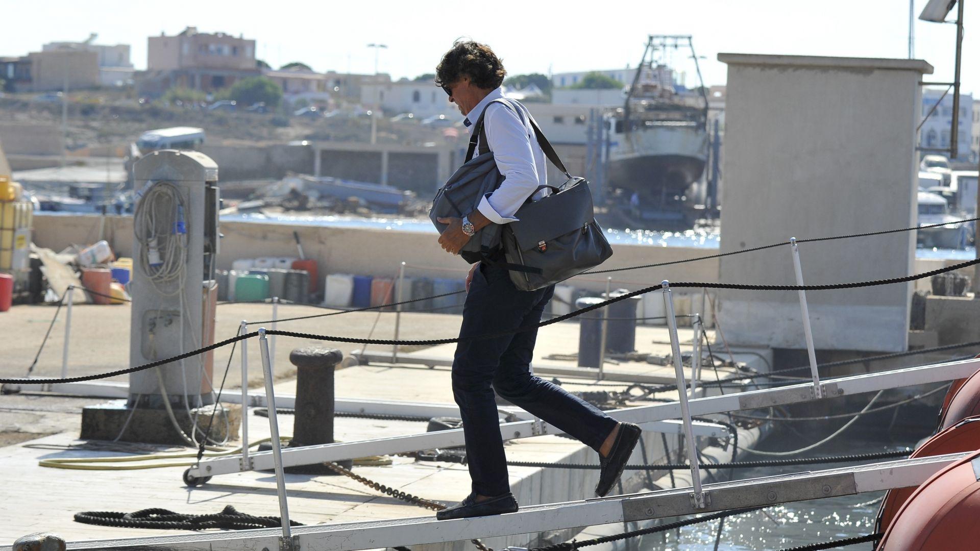 Италианското правосъдие разпореди незабавно да бъдат евакуирани на остров Лампедуза