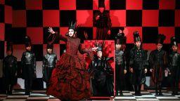 """""""Алиса в огледалния свят"""" на сцената на Аполония"""