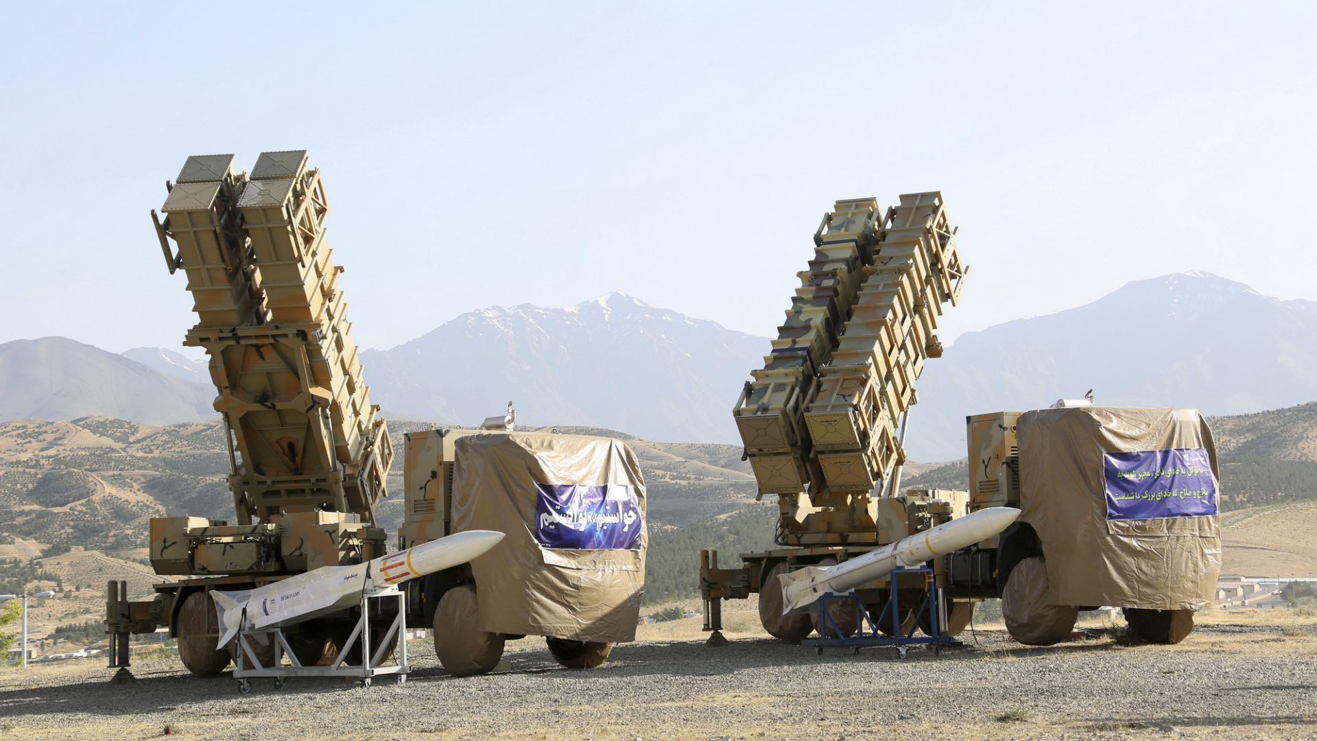 Иран показа своя система за противоракетна отбрана (снимки)
