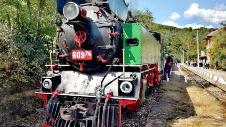 БДЖ организира атракционно пътуване с парен локомотив за 6 септември