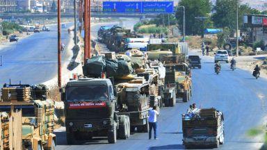 Две турски военни колони са пресекли границата и са се отправили към Идлиб