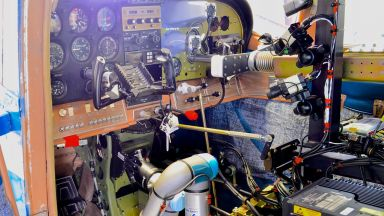 Пентагонът планира да създаде роботи - пилоти на самолети