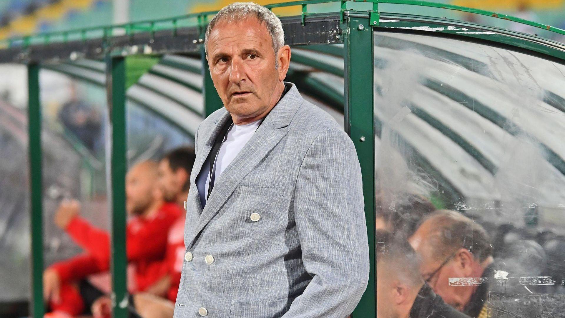 Първа раздяла с треньор в българския футболен елит по време на пандемията