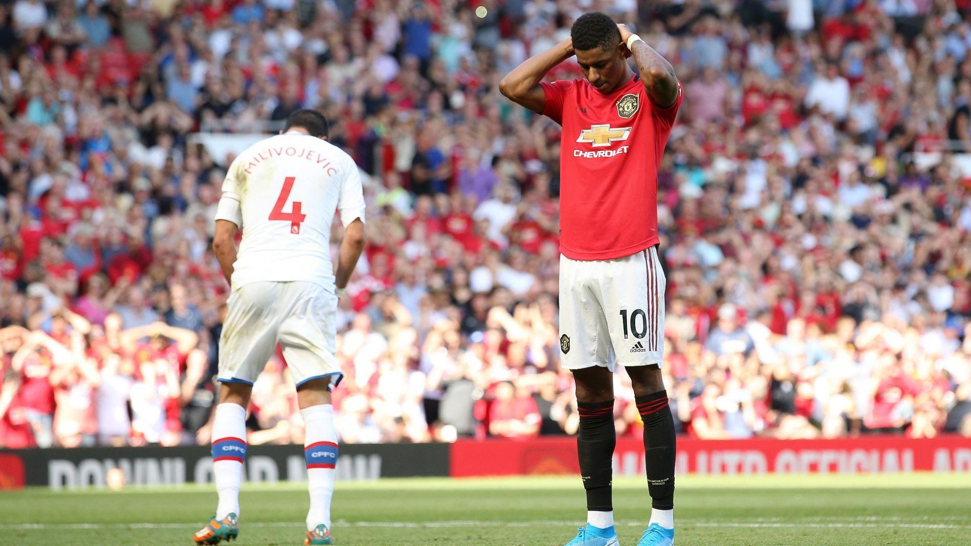 Провал за Юнайтед в последната минута
