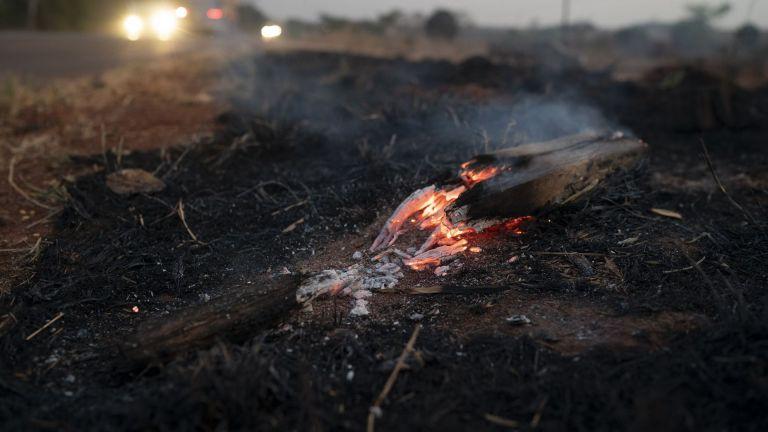 Днес избухнаха стотици нови пожари