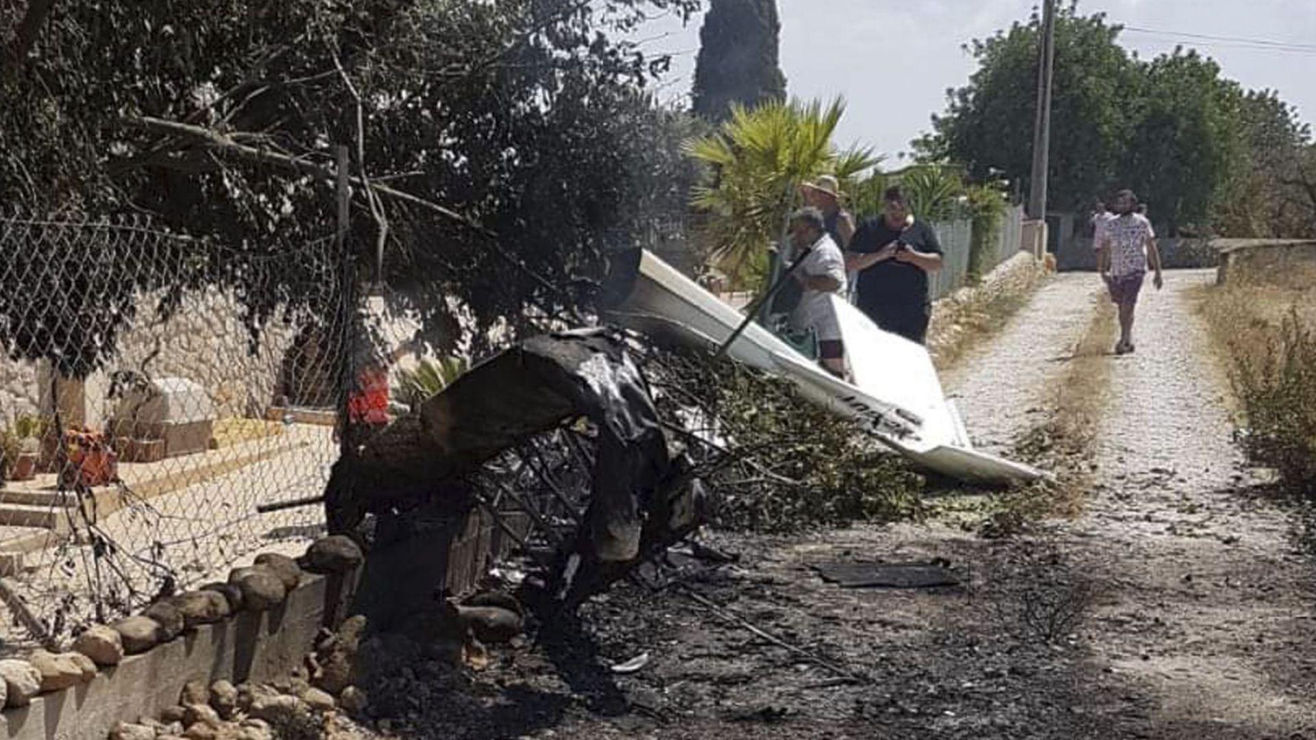 Хеликоптер и самолет са се сблъскали над Майорка, има седем жертви (снимки)