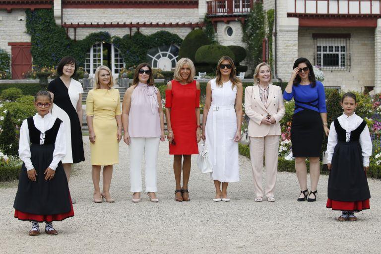 Бриджит Макрон, Мелания Тръмп с други съпруги на лидерите на Г-7
