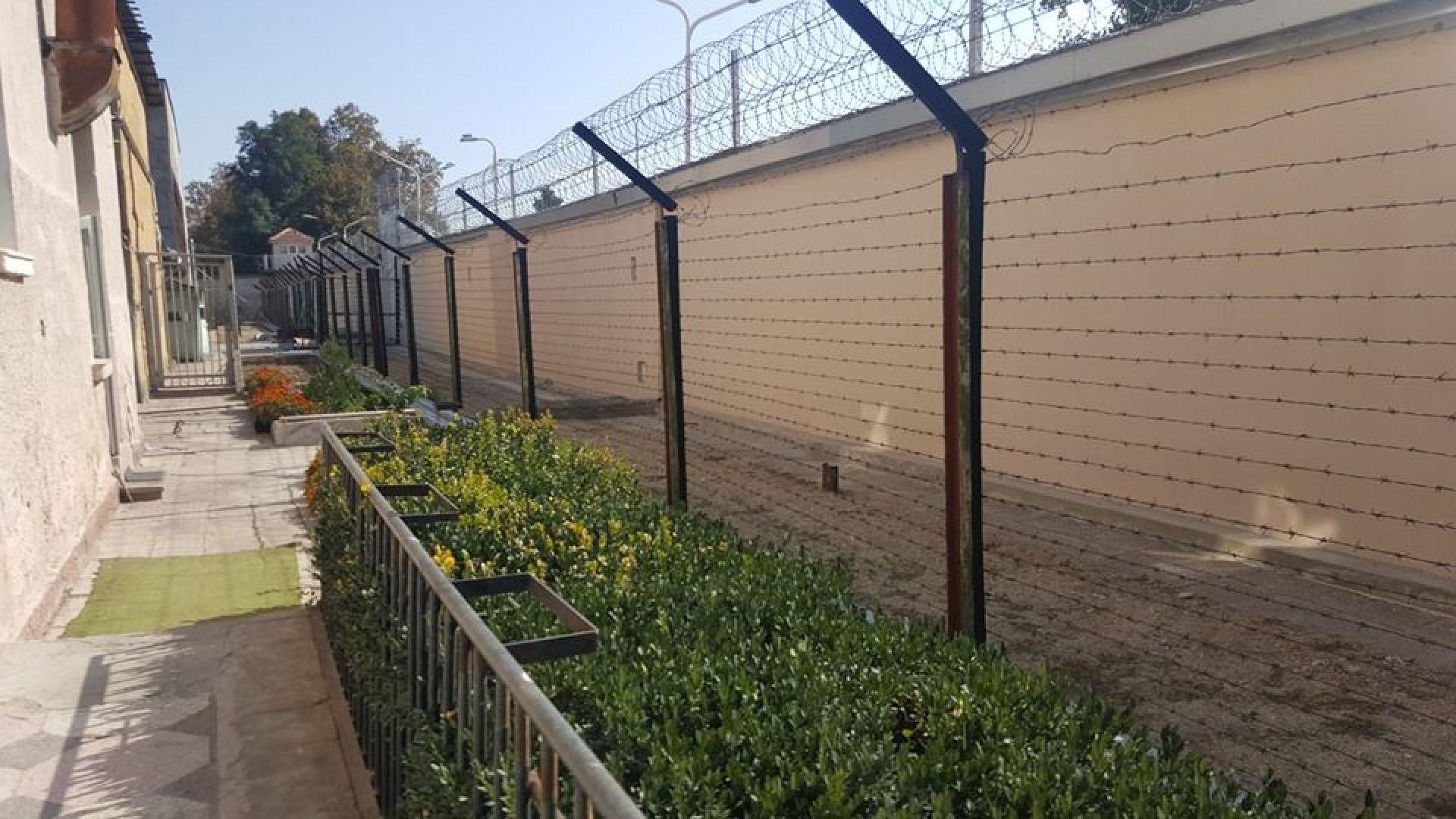 Двама служители на затвора в Пловдив са с Covid-19