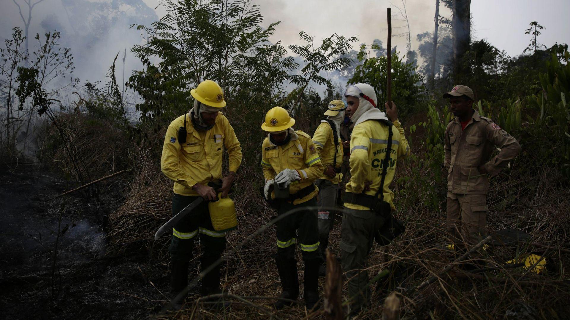 Бразилия отказа помощта на Г-7 за борба с пожарите в Амазония