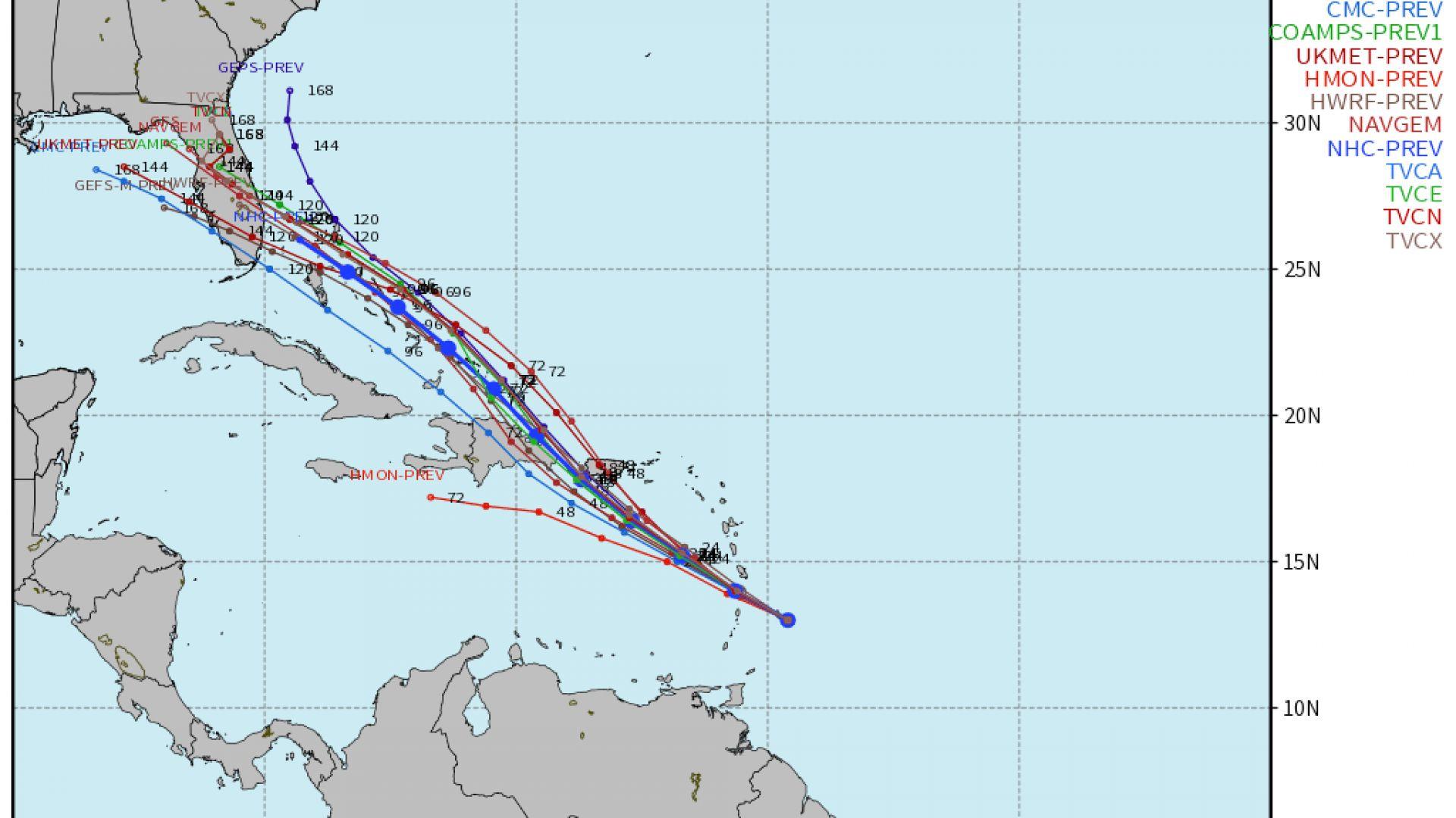 """има и сценарии, в които той ще засегне периферно Флорида или ще """"завие"""" на североизток към открити води"""