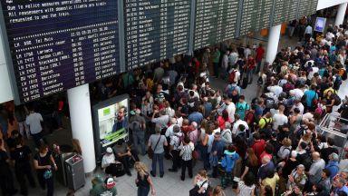 Затвориха част от летището в Мюнхен заради преминал без проверка пътник