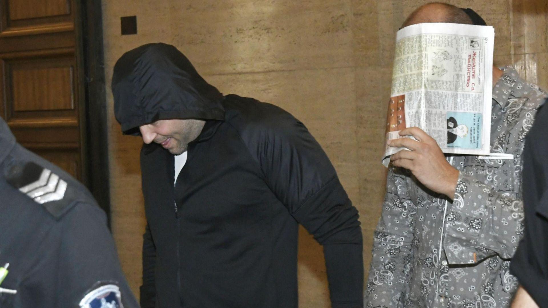 Пуснаха под гаранция двамата задържани за погрома в столично заведение
