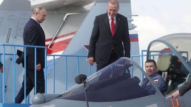 Путин качи Ердоган на СУ-57 и го почерпи с руски сладолед (снимки, видео)